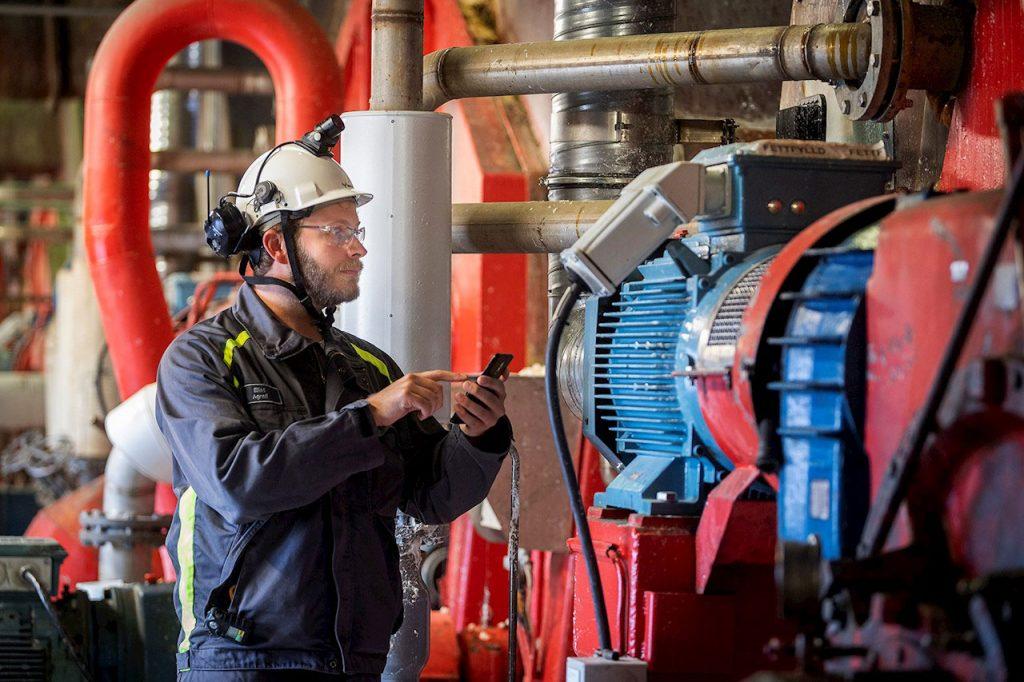 Motors at board and pulp mill